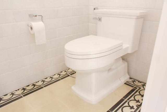 意外と知らない!トイレの蓋を閉める意味とは?